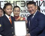 Школьница из Калмыкии заняла третье место в ежегодной выставке монгольской каллиграфии