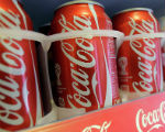 Coca-Cola сократила рекламу в России
